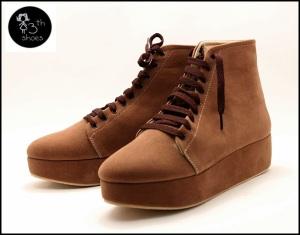 Brown Boots Flatform - Rp.345.000,- (USD 45)